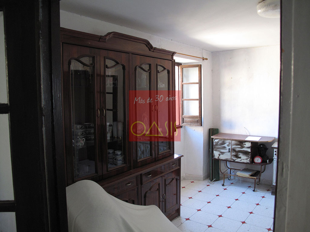 Details - Wonderful and ample house on sale in lower Albayzín - Oasis Real Estate, more than 30 years in the Albayzín